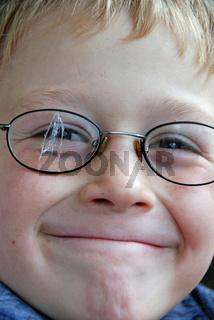 defekte Brille, Waldorfschueler / defective glasseses, Rudiolf- Steiner-student