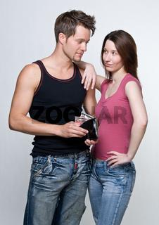 Paar mit Geldbörse