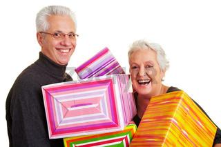 Rentner mit Geschenken