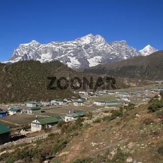 Spring day in Khumjung
