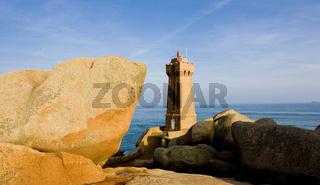 Pors Kamor lighthouse, Ploumanac''h, Brittany, France