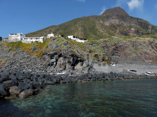 Ginostra vor dem Vulkan auf der Insel Stromboli, Liparische Inseln, Italien