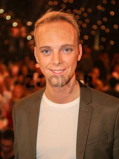 Sänger Sandro nach der ARD TV-Show Schlager Countdown in Oldenburg am 25.03.2017