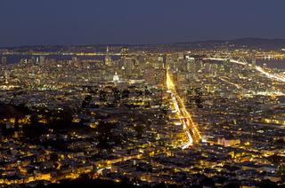 Blick von den Twin Peaks auf San Francisco, Kalifornien, USA