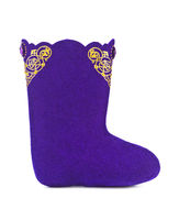 Felt boots with ornament