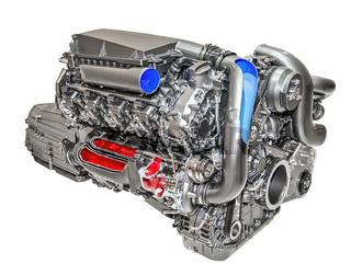 Moderner und leistungsstarker Motor eines Autos