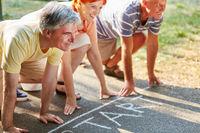 Senioren am Start vor einem Wettlauf