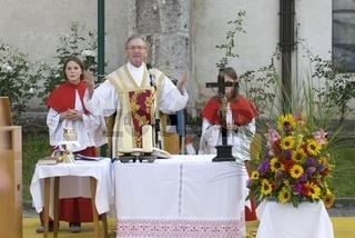 Heilie Messe im Freien