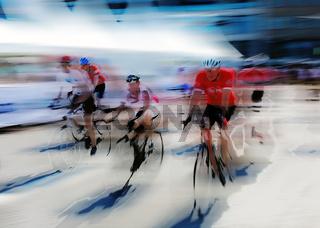 Rennradfahrer auf der Straße, grafisch abstrakt (digital manipuliert)