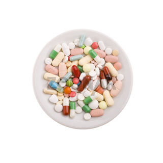 Teller mit Tabletten