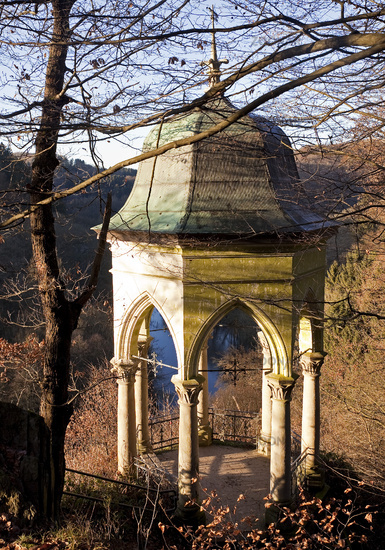 pavillon Muengstener Diederichstempel in autumn, Solingen, North Rhine-Westphalia, Germany