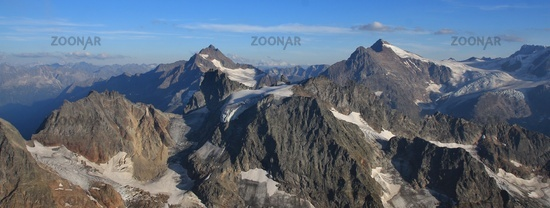 Mountain ranges seen from mount Titlis