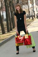 glücklich beim Shopping