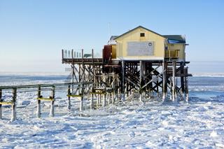 Strand von St. Peter-Ording im Winter - Beach of St. Peter-Ording in winter