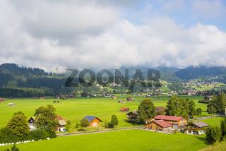 Loretto Wiesen, Dorfwiesen südlich von Oberstdorf, Oberallgäu, Bayern, Deutschland, Europa