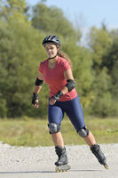 Frau beim Rollerblading / Woman rollerblading