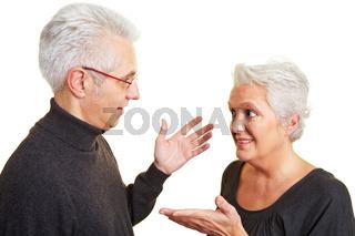 Ehepaar führt Diskussion