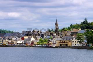 Huelgoat in der Bretagne, Frankreich - the town Huelgoat in Brittany, France