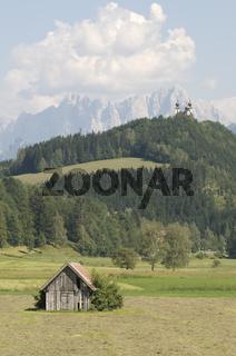 Admont mit Wallfahrtskirche Frauenberg im Nationalpark Gesäuse, Steiermark, Österreich