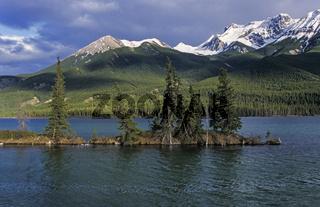 Sturm am Talbot-See und Gipfel der Miette-Bergkette / Jasper Nationalpark  -  Kanada