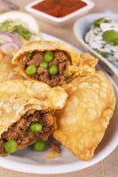 Samosas With Spicy Lamb