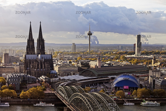 cityscape with Cologne Cathedral, Hohenzollern Brigde and Rhine, Cologne, Rhineland, Germany, Europe
