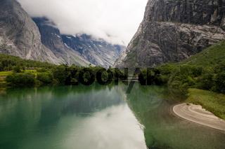 Fluß im Romsdal, Norwegen