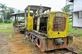 alte Diesellokomotive der Zuckerplantage Marienburg Suriname