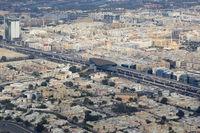 Dubai Metro mit Haltestelle Luftaufnahme Luftbild