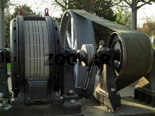 Historische Einkurbel-Verbund-Dampfmaschine (Herst