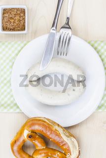 Weißwurst und Bretzel - ein bayrische Brotzeit