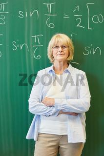 Frau als erfahrener Lehrer oder Dozent