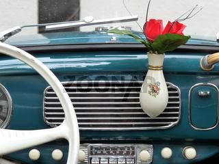 Armaturenbrett VW Käfer mit Vase