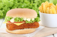 Fischburger Fisch Burger Backfisch Hamburger mit Pommes Frites