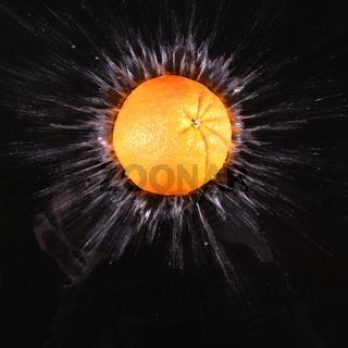 Stillleben Orange im Wasser