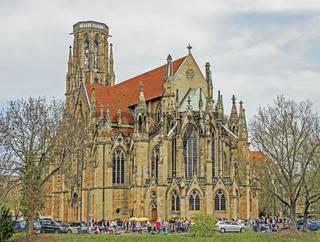 Flohmarkt bei der Johanneskirche am Feuersee in Stuttgart