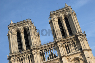 Notre Dame schräg
