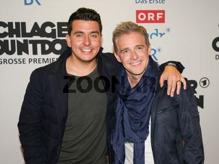 Sänger Jan Smit und Sänger Christoff ( beide von Klubbb 3) auf dem Roten Teppich zur ARD TV-Show Schlager Countdown in Oldenburg am 25.03.2017