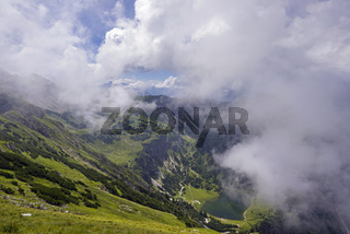 Unterer Gaisalpsee, dahinter Gaisalphorn, 1953m, Allgäuer Alpen, Allgäu, Bayern, Deutschland, Europa