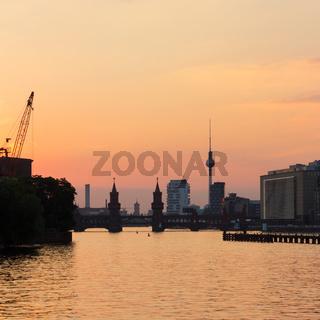 beerlin skyline, river spree , sunset sky