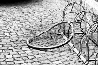 Gestohlenes Fahrrad und Fahrradfelge