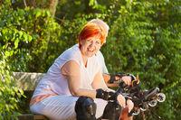 Senioren Paar macht Pause