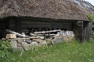 mit Reed gedecktes Bauernhaus, Estland, Baltikum,