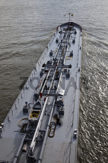 Frachtschiff auf dem Rhein