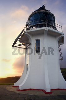 Cape Reinga, noedlichste Spitze Neuseelands mit Cape Reinga Leuchtturm im fruehen Morgenlicht, Northland, Nordinsel, Neuseeland Cape Reinga, northernmost tip of New Zealand with Cape Reinga Lighthouse in early morning light, Northland, North Island, New Z
