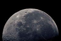 waning half-moon in colors XXL