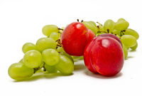 Aprikosen und Weintrauben