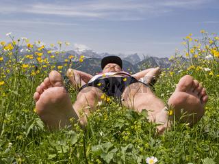 Relaxen in der Blumenwiese