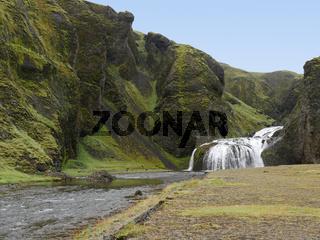 Der Wasserfall Stjörnafoss bei Kirkjubæjarklaustur in Island