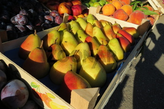 Fresh yellow pears